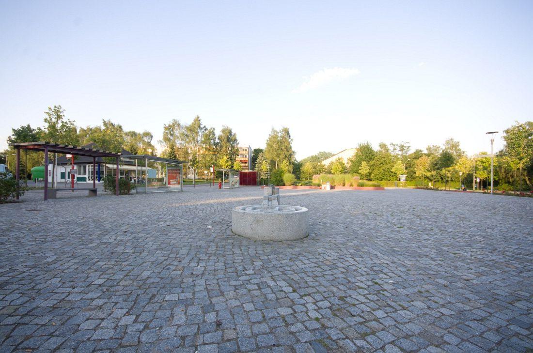 10303__12-08-19 Platz Knieper West Stralsund (9)